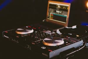 start a mobile dj business