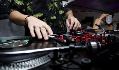 how to become a dj for beginners guide