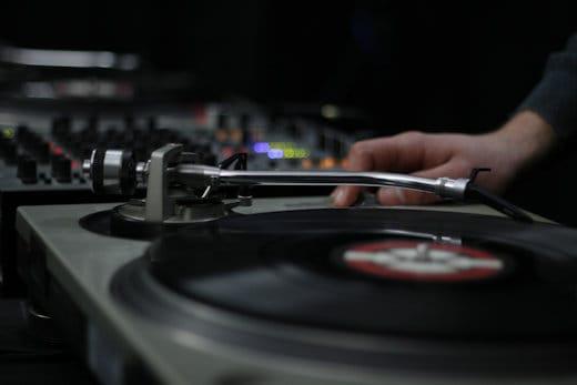 djing vinyl vs digital beatmatching