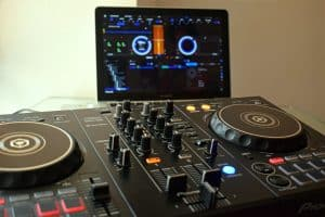 DJ controller for beginners