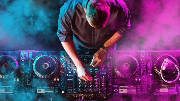 Five Things Every New DJ Should Learn